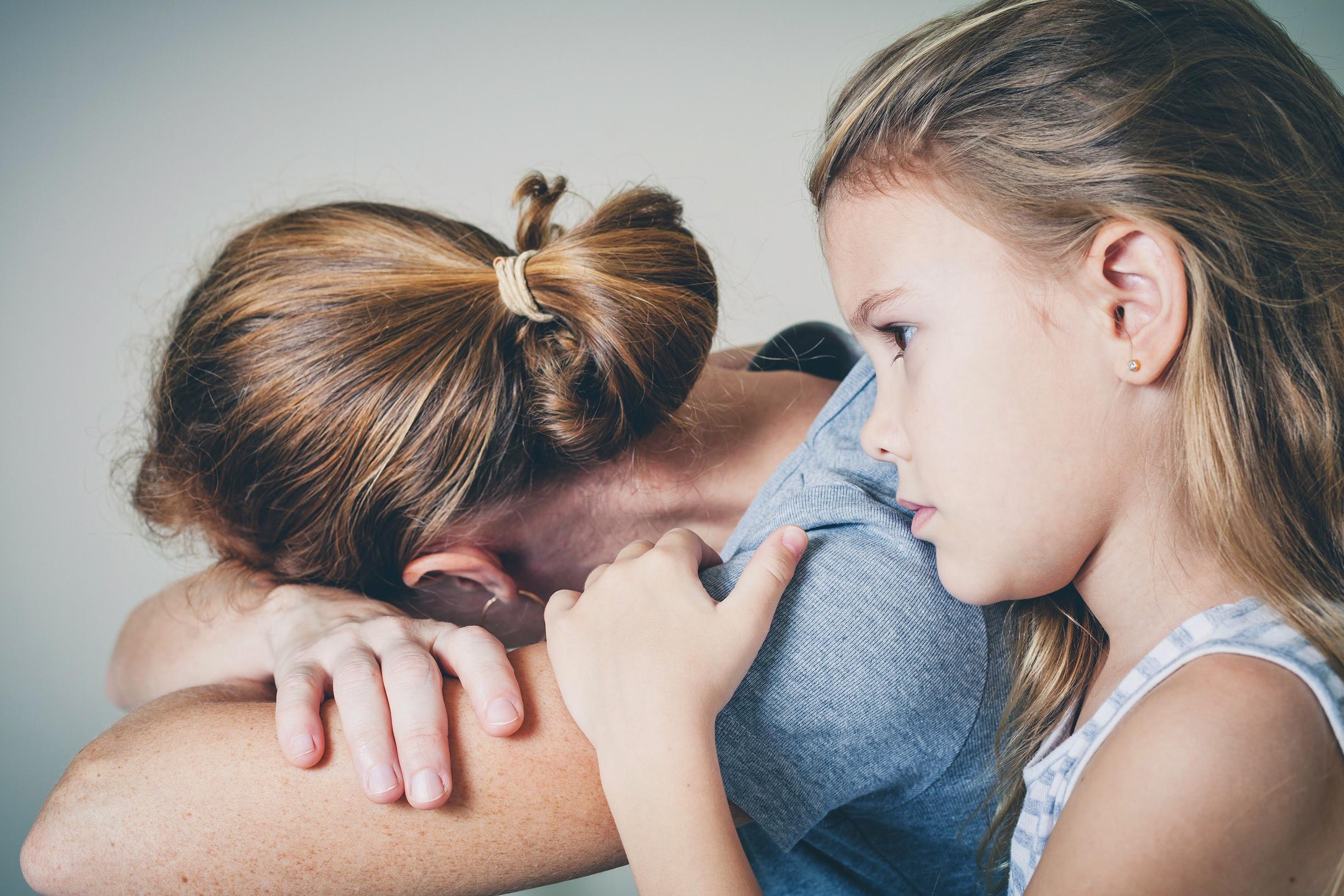 Resultado de imagen para madre folla con hijo deprimido